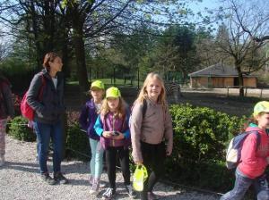 Dora na izletu z učenci