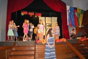 Sarah s plesno skupino